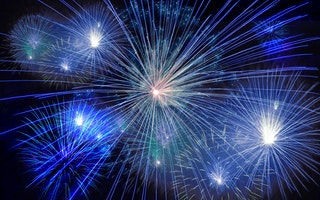 fireworks-rocket-new-year-s-day-new-year-s-eve-40663-thumbnail